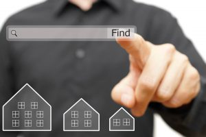 landlord researching property management companies in Phoenix AZ